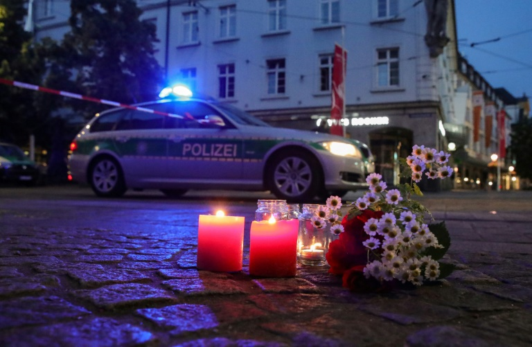 Bestürzung nach Messerangriff in Würzburg (© 2021 AFP)