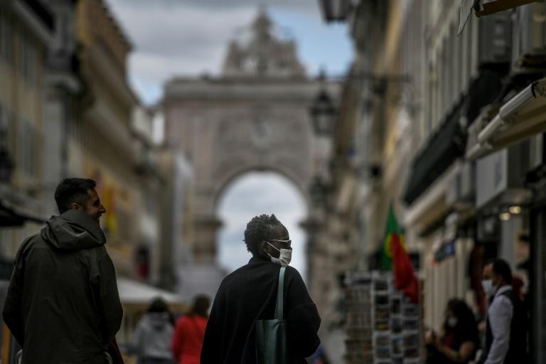 Reiseverband reagiert mit Unverständnis auf Einstufung von ganz Portugal als Variantengebiet (© 2021 AFP)