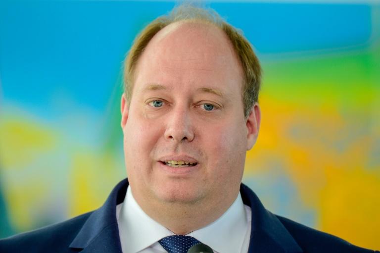 Braun spricht sich für intensivere Kontrolle von Reiserückkehrern aus (© 2021 AFP)