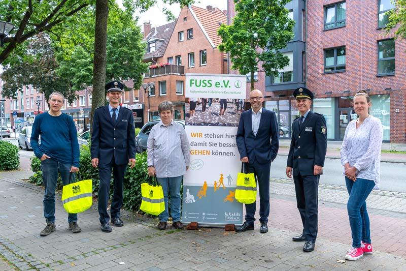 """Ordnungspartnerschaft begrüßt """"FUSS e.V."""". (Foto: Michael C. Möller)"""