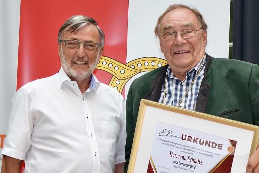 CC-Präsident Michael Laumen und das neue CC-Ehrenmitglied Hermann Schmitz (Foto: HPS)