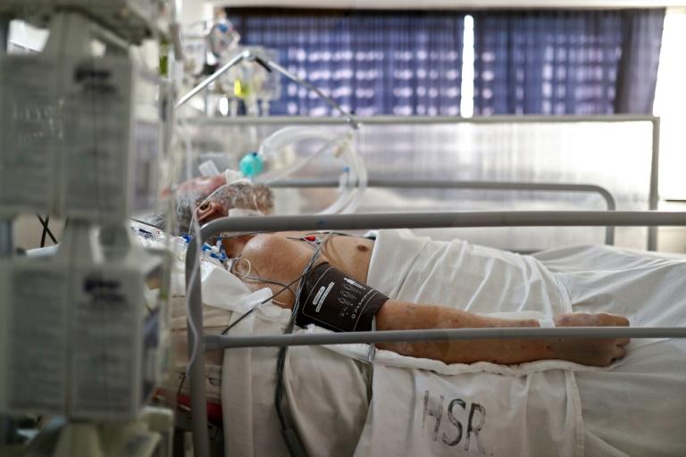 RKI: Bundesweite Sieben-Tage-Inzidenz steigt auf 5,2 (© 2021 AFP)