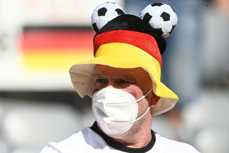 Intensivmediziner warnen vor zu frühem Ende der Maskenpflicht (© 2021 AFP)