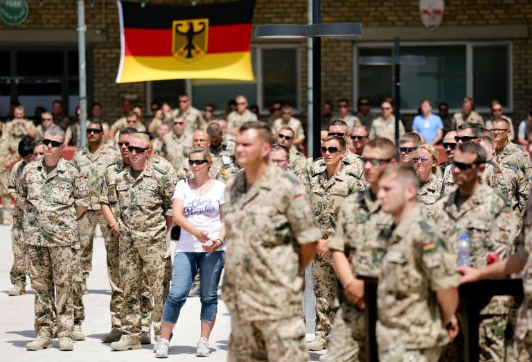 Forderungen nach Ehrung des Bundeswehr-Einsatzes in Afghanistan vor dem Reichstag (© 2021 AFP)
