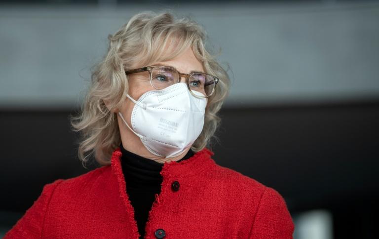Lambrecht will Maskenpflicht an den Schulen beibehalten (© 2021 AFP)