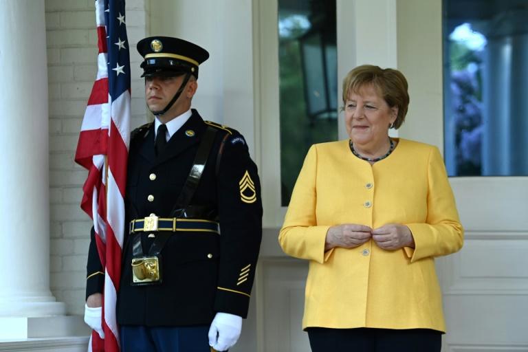 """Merkel spricht von """"Tragödie"""" und kündigt Hilfen für Unwettergebiete an (© 2021 AFP)"""