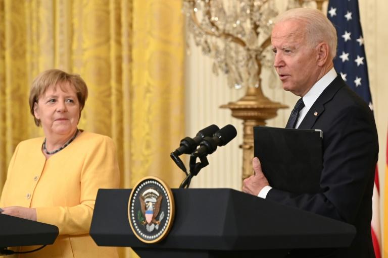 Merkel und Biden demonstrieren  Geschlossenheit trotz Differenzen (© 2021 AFP)