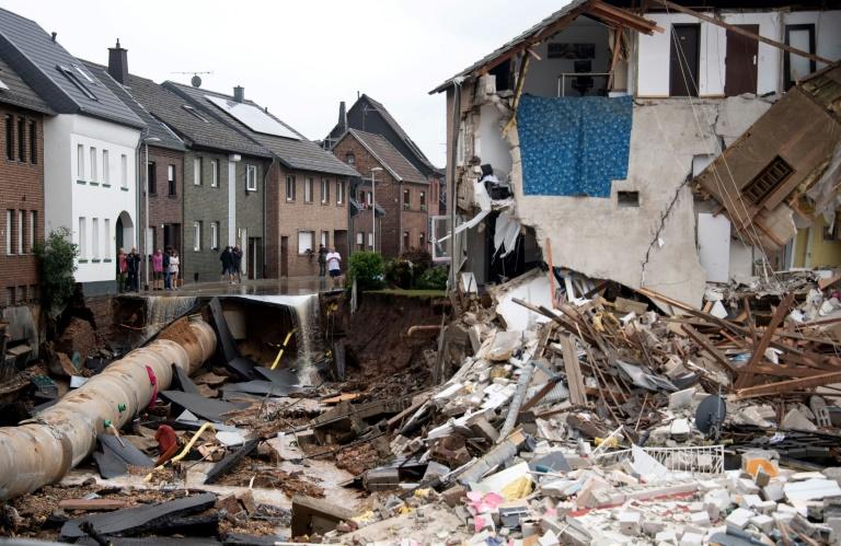 """Bürgermeisterin: Ausmaß der Zerstörung in Erftstadt """"verheerend"""" (© 2021 AFP)"""