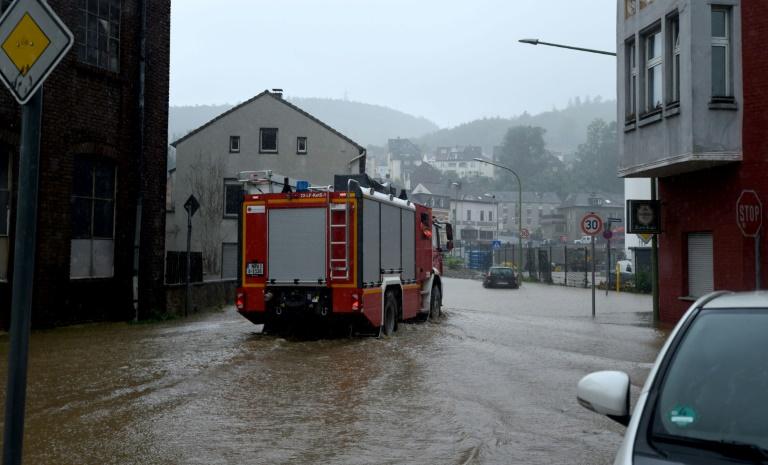Mindestens vier tote Feuerwehrleute bei Hochwasser-Einsätzen in Nordrhein-Westfalen (© 2021 AFP)
