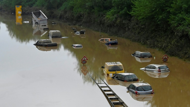 Zwei weitere Tote durch Überschwemmungen in NRW (© 2021 AFP)