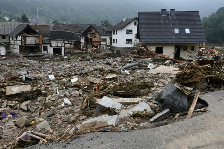 Bundeskanzlerin Merkel besucht von Unwetter schwer getroffenes Eifeldorf Schuld (© 2021 AFP)