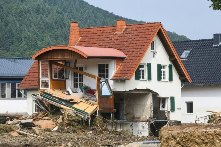 Zahl der Unwetter-Toten in Deutschland steigt auf 156 (© 2021 AFP)
