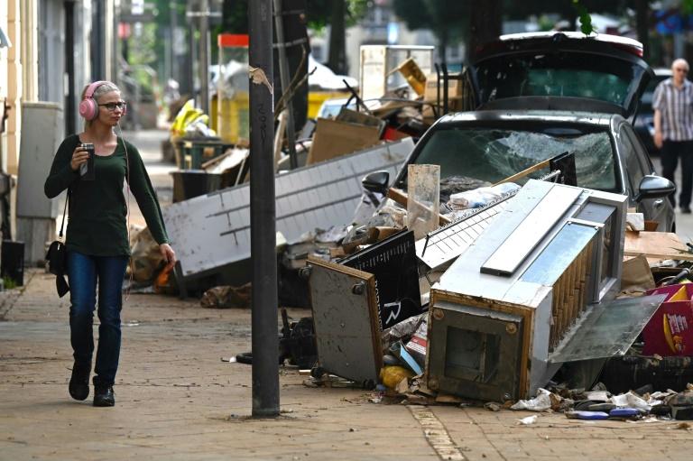 """Seehofer nennt Kritik an Katastrophenschutz """"billige Wahlkampfrhetorik"""" (© 2021 AFP)"""