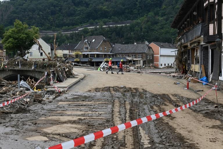 """""""Bild"""": Ministerium rechnet mit fast zwei Milliarden Euro Schaden an Bahn und Straßen (© 2021 AFP)"""
