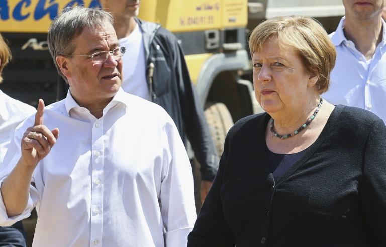 Merkel verspricht Hochwasseropfern schnelle Hilfe (© 2021 AFP)