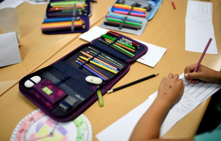 Lehrerverband fordert weiter Vorsicht an Schulen wegen Corona (© 2021 AFP)