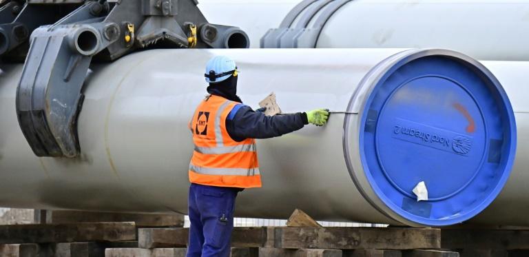 Merkel warnt Russland vor politischer Instrumentalisierung von Nord Stream 2 (© 2021 AFP)