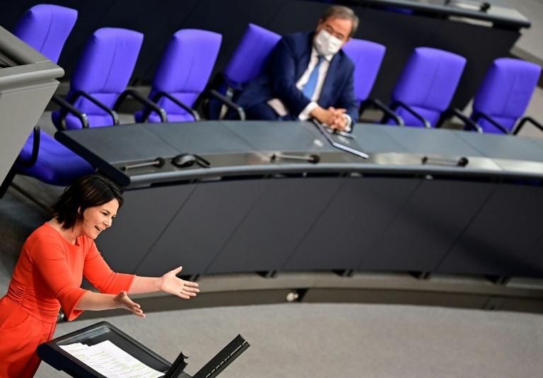 Baerbock kritisiert Einigung zu Nord Stream 2 - Laschet begrüßt sie (© 2021 AFP)