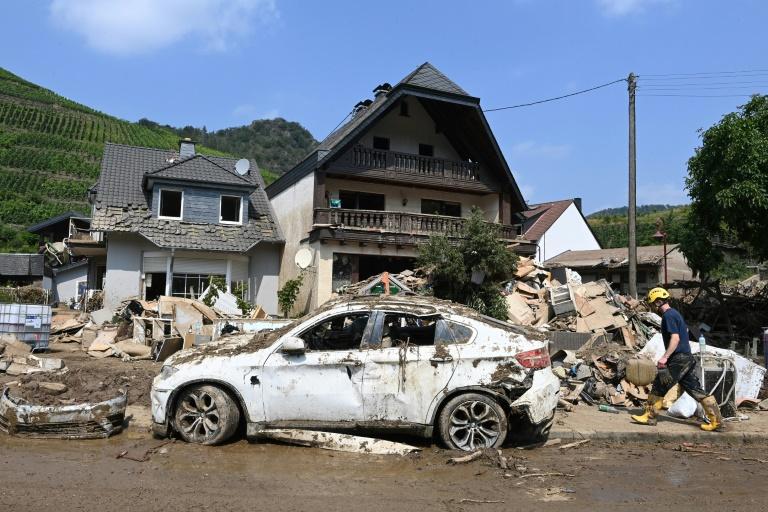Polizei und Krisenstab: Helfer sollen nicht mehr ins Hochwassergebiet reisen (© 2021 AFP)