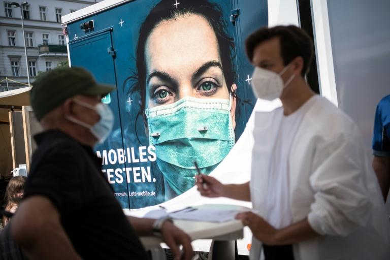 Scharfe Kritik von Patientenschützern an Debatte über Impfpflicht (© 2021 AFP)