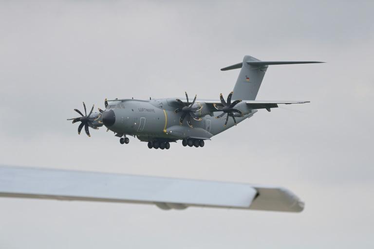 """""""BamS"""": Luftwaffenmaschinen fliegen am Montag für Evakuierung nach Kabul (© 2021 AFP)"""