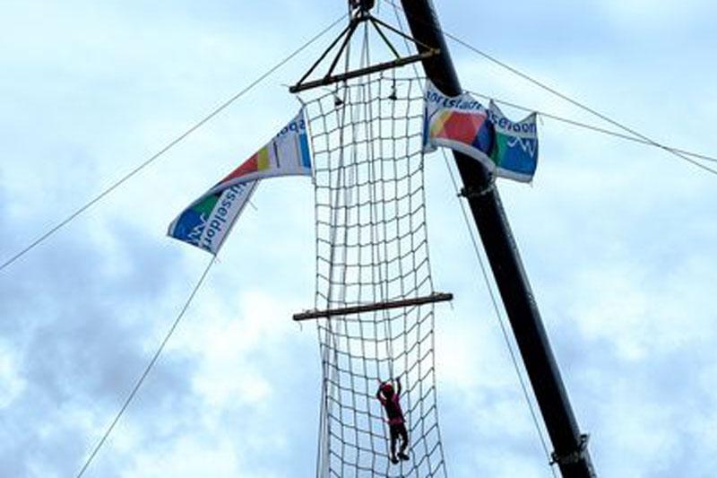 Ein Höhepunkt war das 15 Meter hohe Piratennetz. (Foto: Stadt Düsseldorf)