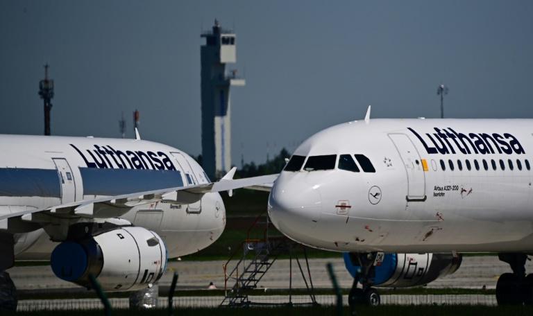 Lufthansa fliegt in der Nacht erste aus Kabul gerettete Menschen nach Deutschland (© 2021 AFP)