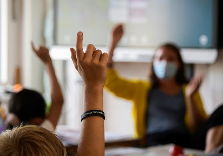 56 Prozent der Eltern mit Lernangeboten von Schulen in Pandemie unzufrieden (© 2021 AFP)
