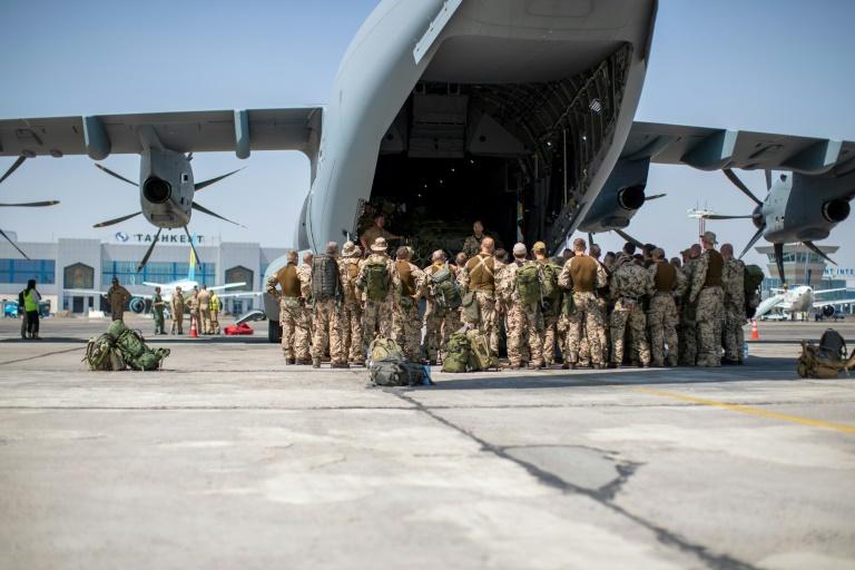 Bundeswehr hat bislang mehr als 900 Menschen aus Kabul ausgeflogen (© 2021 AFP)