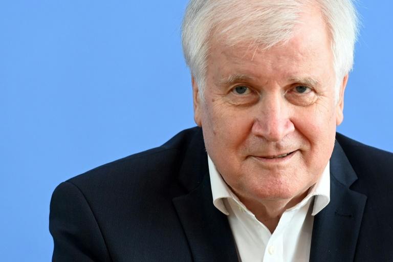 Seehofer weist Vorwürfe der Verzögerung von Ortskräfte-Verfahren zurück (© 2021 AFP)