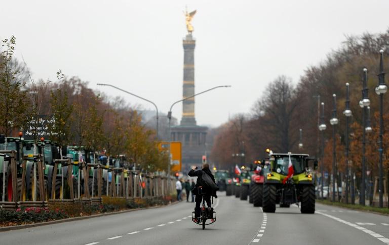 Hoher Sachschaden: Diebe entwenden Kupfer-Dachplatten an Berliner Siegessäule (© 2021 AFP)