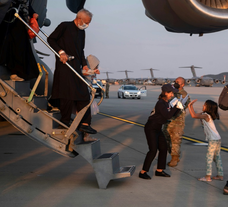 Mehr als tausend Menschen aus Afghanistan in Ramstein gelandet (© 2021 AFP)