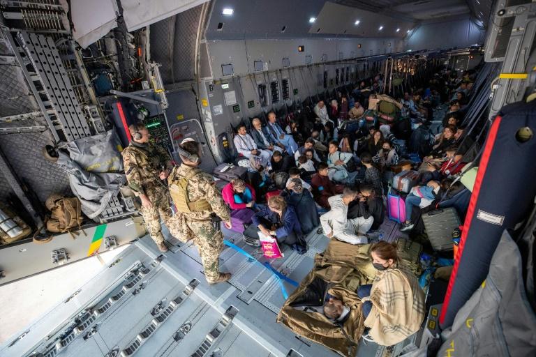 Merkel räumt Fehleinschätzungen in Afghanistan ein (© 2021 AFP)