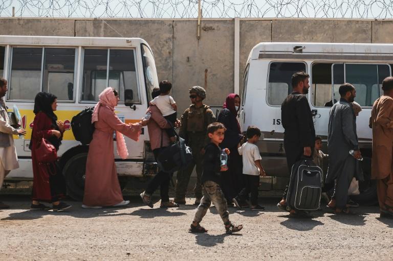 Mehr als 2700 Menschen mit Bundeswehrflügen aus Kabul gebracht (© 2021 AFP)