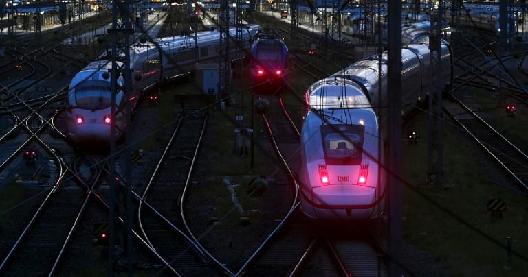 Erneuter Lokführererstreik legt Großteil der Zugverkehrs lahm (© 2021 AFP)