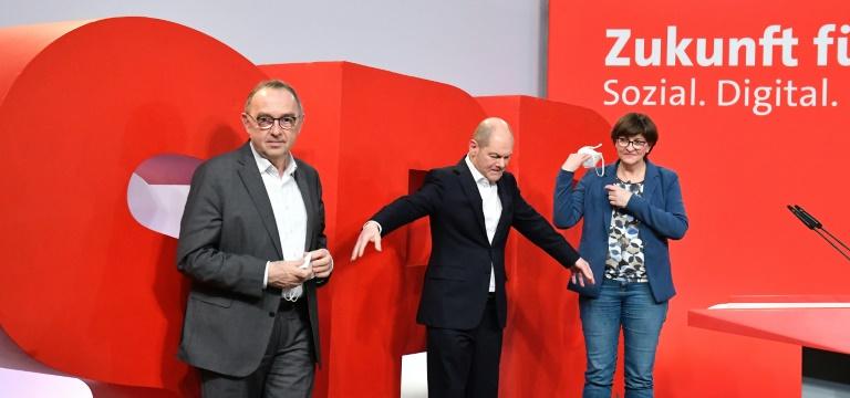 Scholz wünscht sich Esken und Walter-Borjans weiter als Parteivorsitzende (© 2021 AFP)