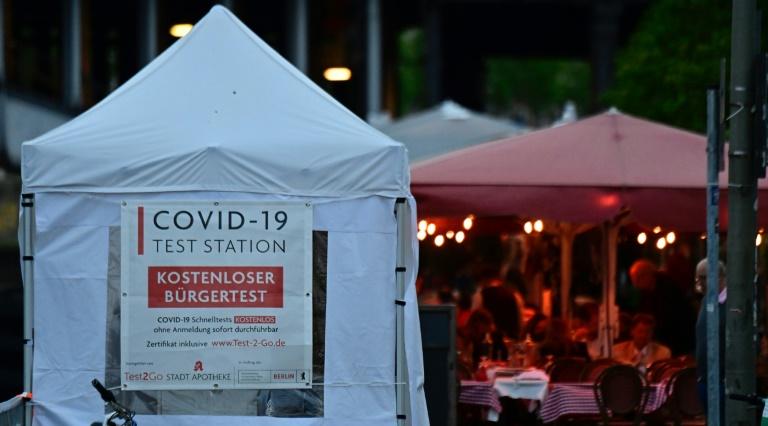 Hamburg erlaubt Veranstaltungen nur für Geimpfte und Genesene (© 2021 AFP)