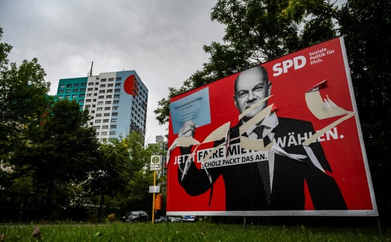 SPD überrundet Union in Forsa-Umfrage erstmals seit 2006 (© 2021 AFP)