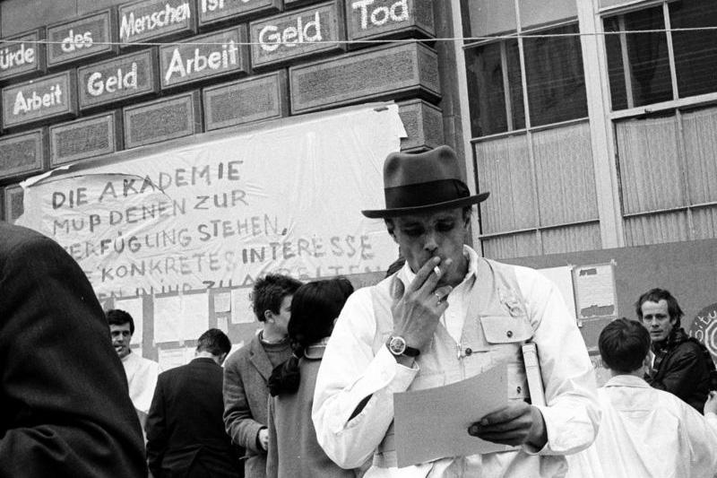 """Bild aus der Fotoarbeit """"Eigenbewegung"""". (Foto: Katharina Sieverding)"""