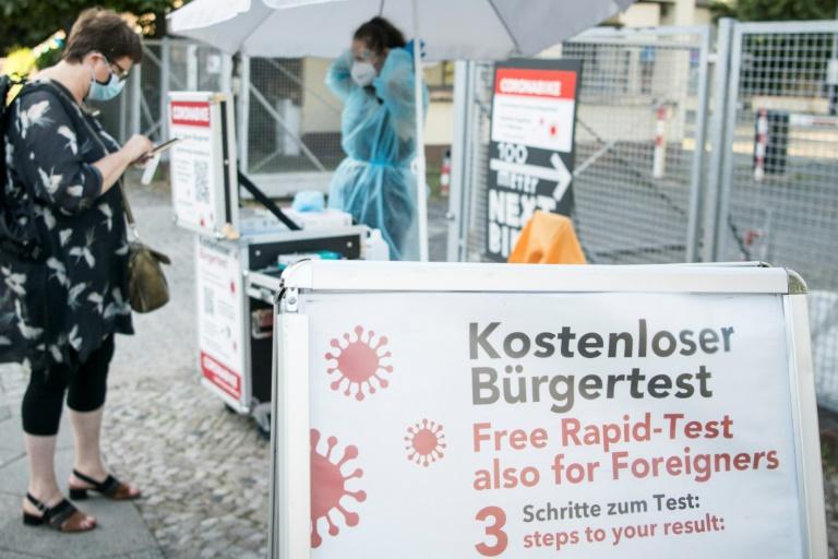 RKI: Bundesweite Sieben-Tage-Inzidenz steigt auf 74,1 (© 2021 AFP)