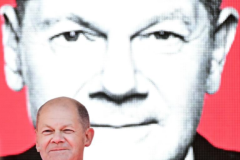 """""""Sonntagstrend"""": SPD überholt mit 24 Prozent die Union (© 2021 AFP)"""