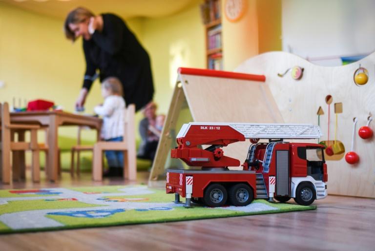 Jedes dritte Kleinkind in Deutschland geht ganztags in die Betreuung (© 2021 AFP)