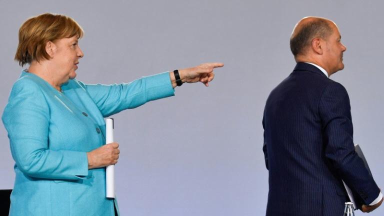 Merkel geht zur Attacke auf Scholz über (© 2021 AFP)