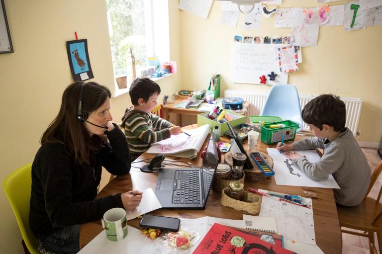 Studie: Deutsche für verpflichtenden Onlineunterricht bei Schulschließungen (© 2021 AFP)
