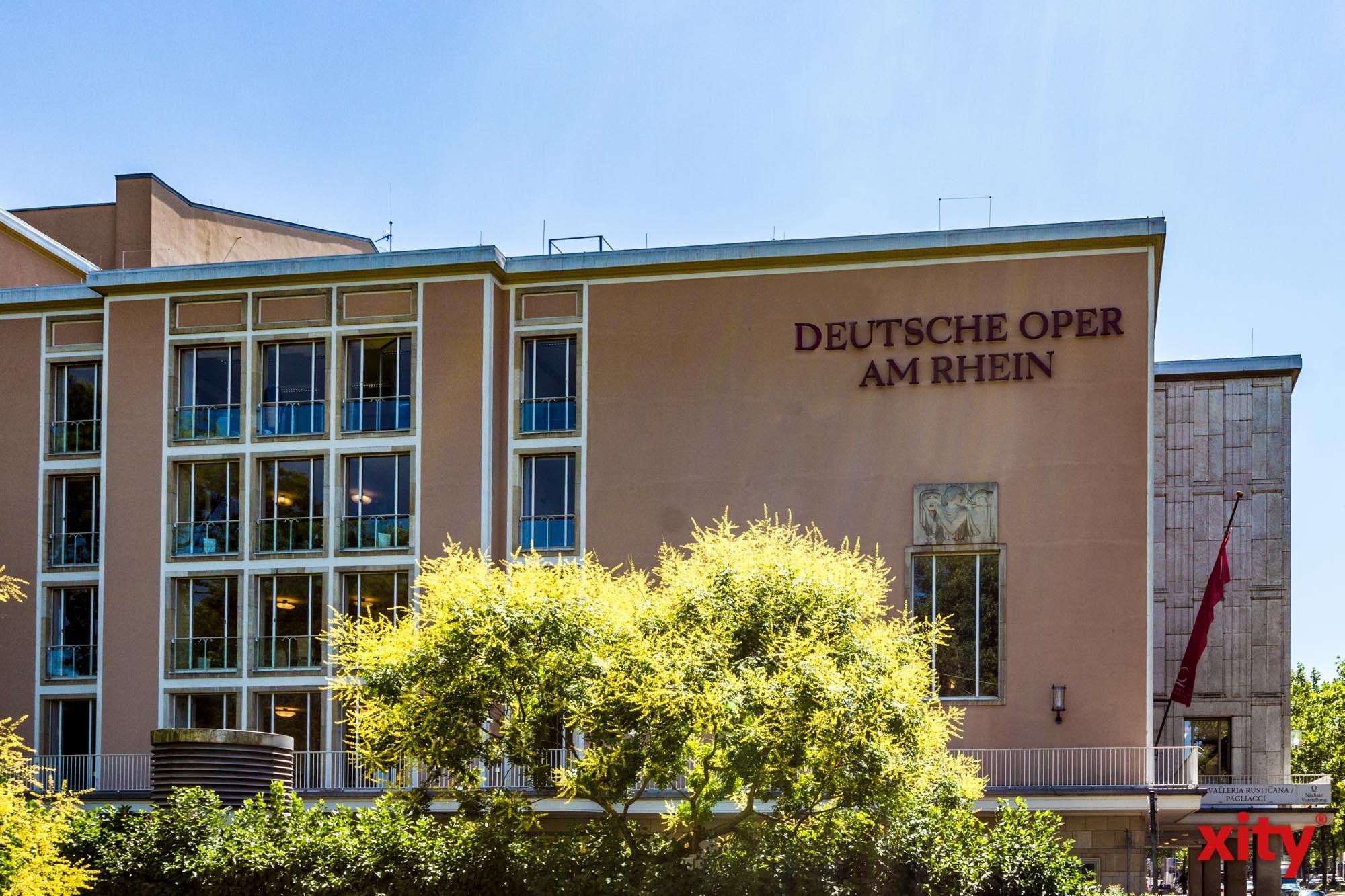Das Dach des Foyers im Düsseldorfer Opernhaus muss dringend saniert werden (Foto: xity)