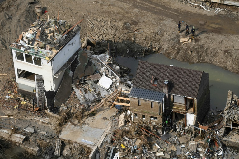 """Steinmeier spricht Flutopfern Anteilnahme aus - """"Das Land trauert mit ihnen"""" (© 2021 AFP)"""