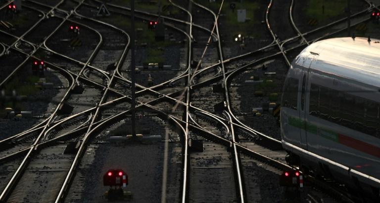 Bahn-Streik geht trotz neuen Angebots weiter (© 2021 AFP)