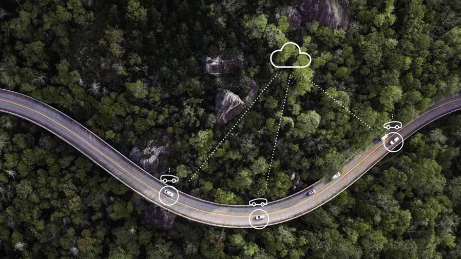 Studie zu Umsatzchancen von vernetzten Fahrzeugen. (Foto: OTS)