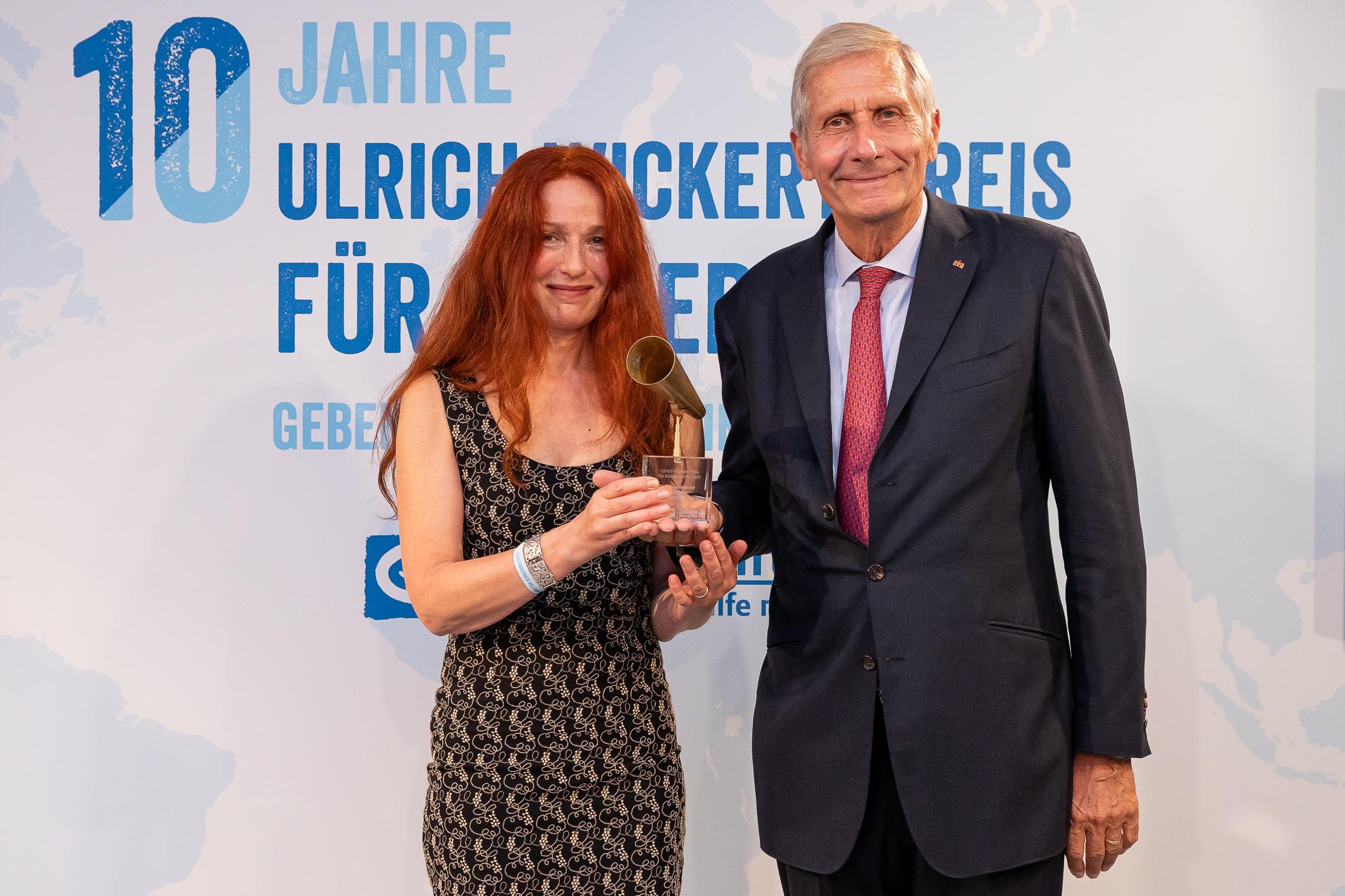 Preis für Kinderrechte in Berlin verliehen. (Foto: OTS)