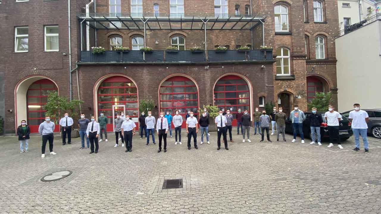 20 neue Auszubildende starteten zum 1. September in ihre 37-monatige Stufenausbildung (Foto: Stadt Düsseldorf/Feuerwehr)
